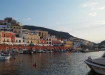 Traghetti Anzio Ponza | Il porto di Ponza